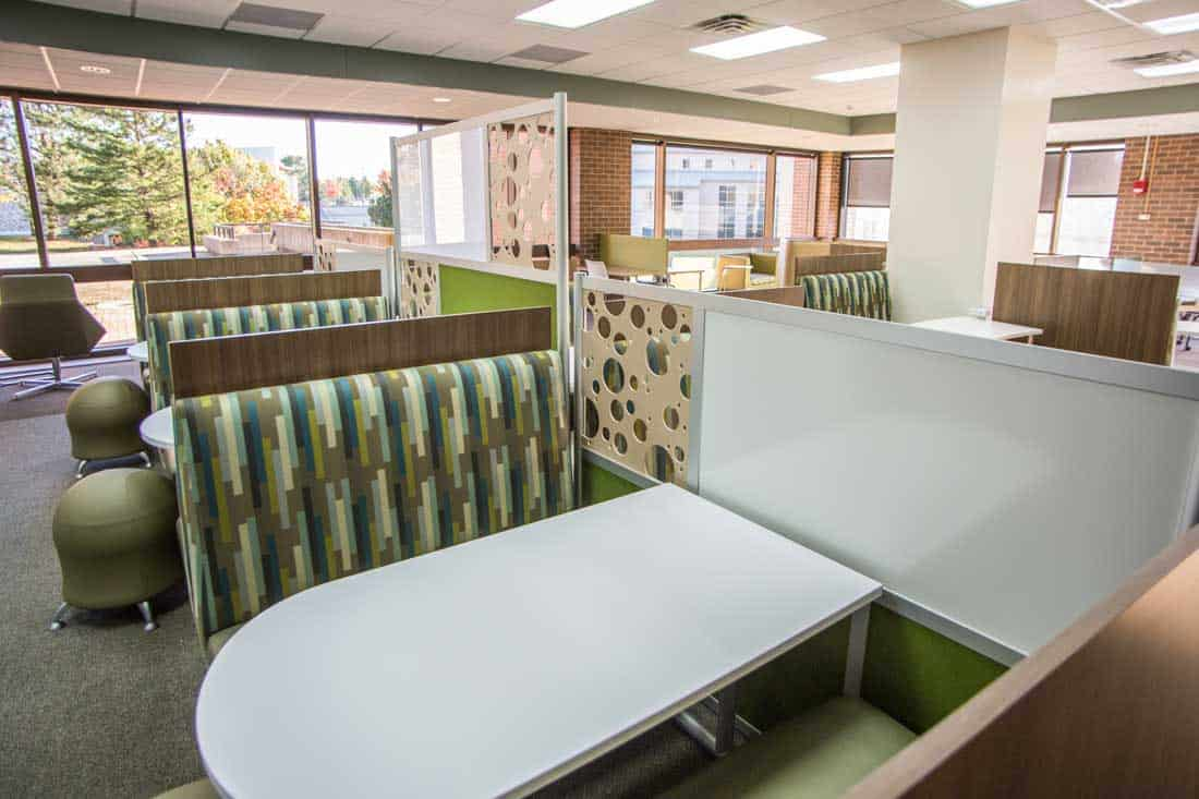 Systems Furniture collaborative area seating