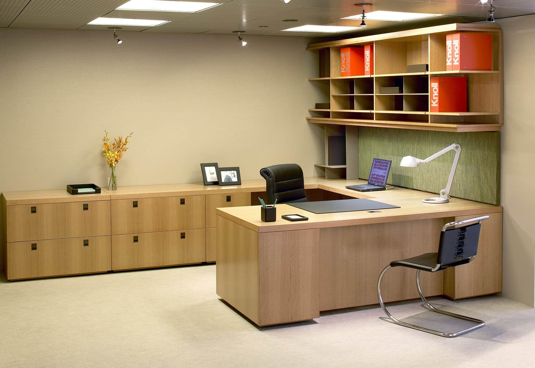 Office Furniture: Choose A Private Office That Suits Your Style
